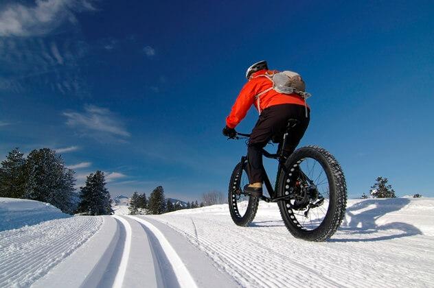 Découvrez le vélo d'hiver: le fatbike