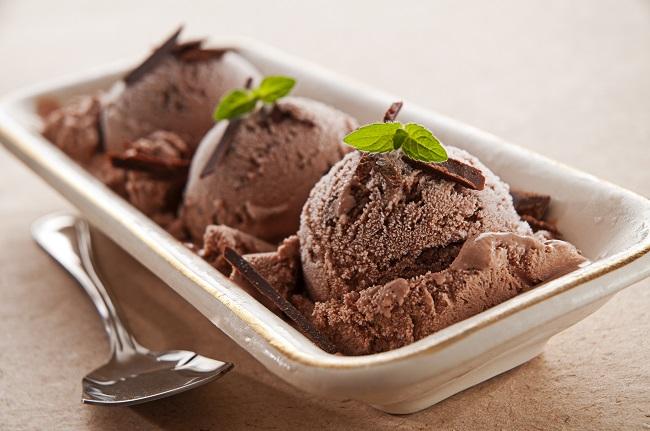 Crème glacée à la menthe chocolatée