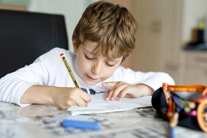 Est-ce que les devoirs nuisent à la santé des enfants?