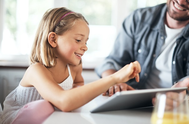 Doit-on limiter le temps-écran des enfants à la maison?
