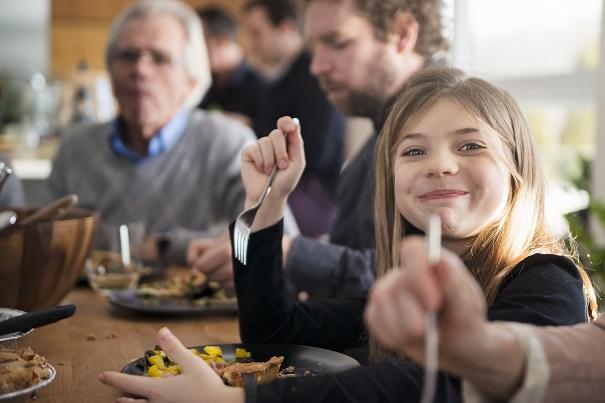 Manger en famille: 6 avantages surprenants