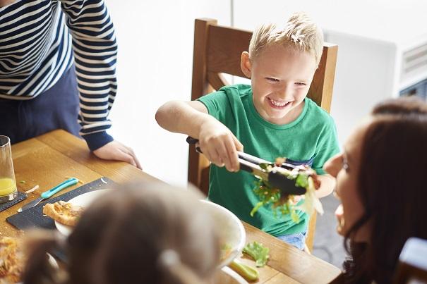 Repas en famille: 4 trucs pour créer une ambiance harmonieuse