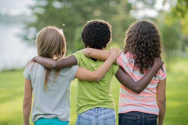 4 trucs pour encourager nos filles à bouger dehors ce printemps