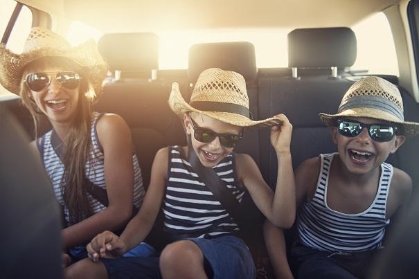15 idées pour garder les enfants actifs lors d'un voyage en voiture