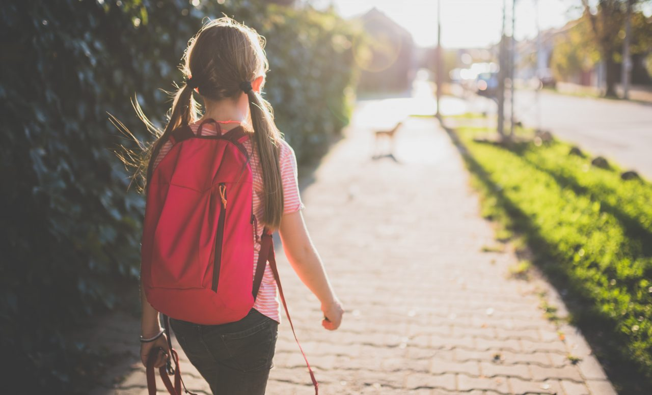 6 étapes pour préparer mon enfant à se promener seul dans le quartier