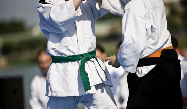 Judo et jeux de combat: le plaisir de se chamailler avec respect!