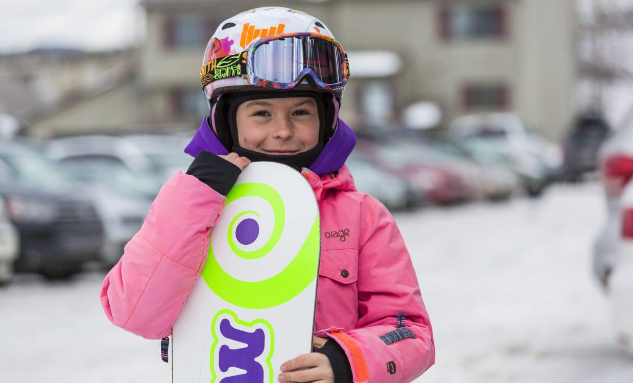 Ski et snowboard: trouvez un équipement pas trop cher pour votre jeune