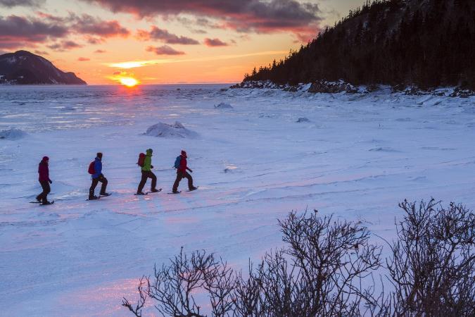 8 beaux sentiers de raquette à essayer cet hiver