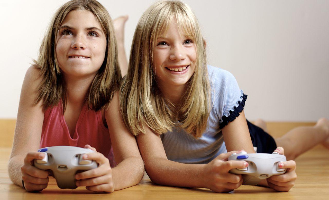 Pourquoi les écrans attirent-ils autant les jeunes?