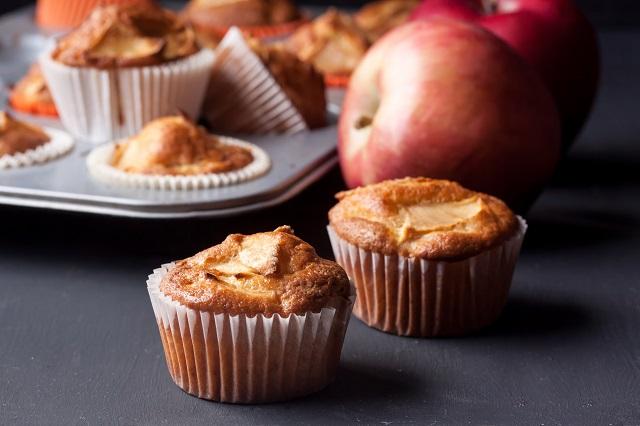 Muffin santé à la pâte de dattes et compote de pommes