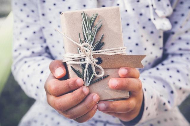 DIY en famille: 7 idées de cadeaux à moins de 5$ à fabriquer avec les enfants