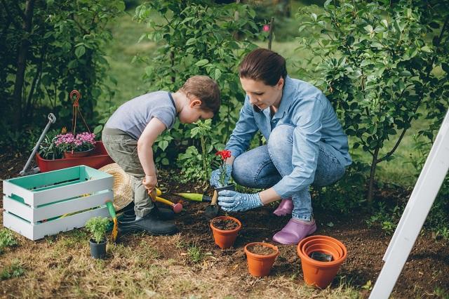 5 applications pour jardiner en famille