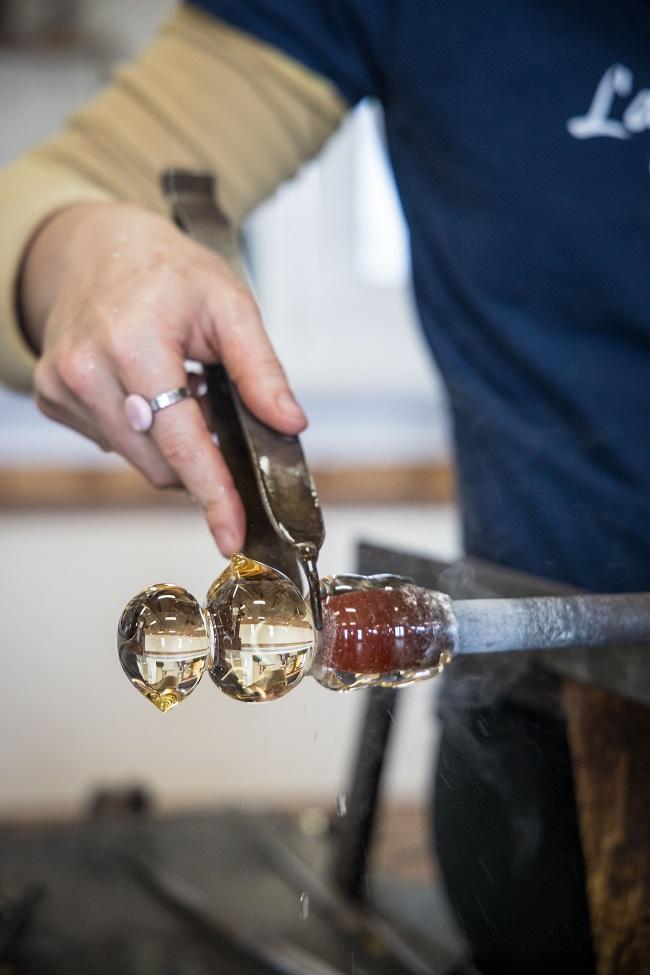 Participer à un atelier de création aux iles de la Madeleine