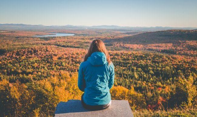 Des sentiers de randonnée pédestre pour admirer les plus belles couleurs des Cantons