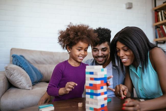 11 jeux de société qui plairont autant aux parents qu'aux enfants