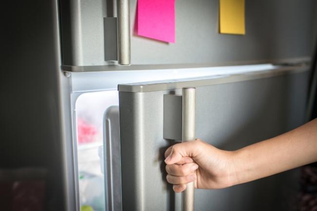 Gaspillage alimentaire: comment organiser son frigo pour garder ses aliments le plus longtemps?
