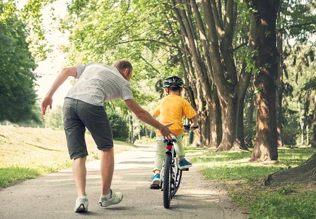 Vélo: 7 étapes pour apprendre à pédaler aux enfants
