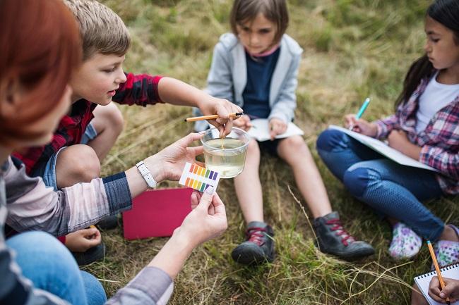 Déconfinement des enfants: et si l'école en plein air était la solution?