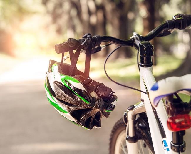 Vélo de montagne : comment équiper son enfant?