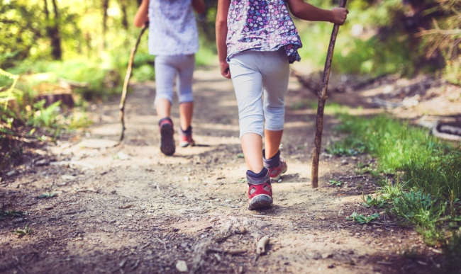 Randonnée, marche et vélo: comment respecter la distanciation sociale en plein air?