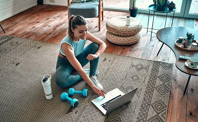 Télétravail: 3 outils pour s'entraîner à la maison