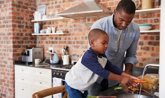 comment-etre-bon-modele-alimentaire-pour-son-enfant