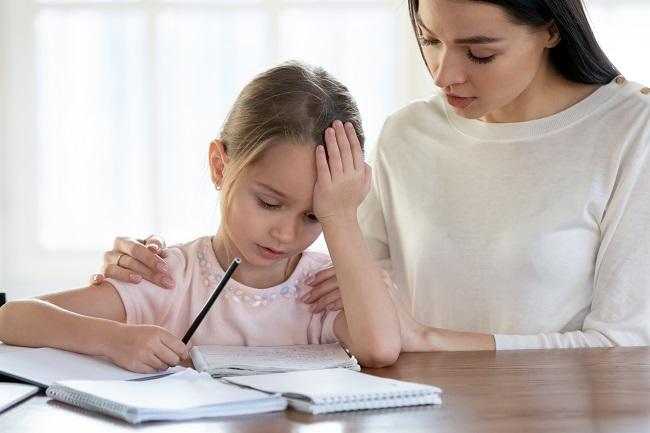 Stress et examens: des trucs pour aider son enfant à passer au travers