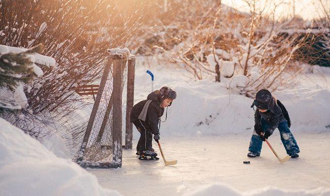 Patin-hockey-nos-meilleurs-trucs-pour-patiner-en-famille-vifa-magazine
