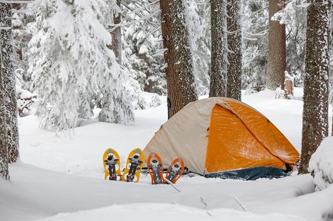 Le petit guide du camping hivernal en famille