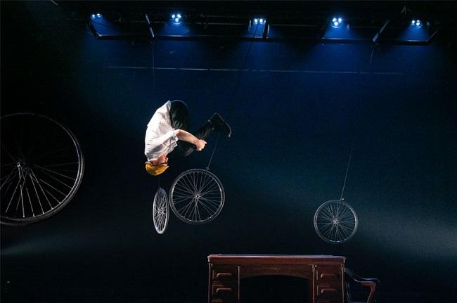 deux-roues-la-vie_place-des-arts