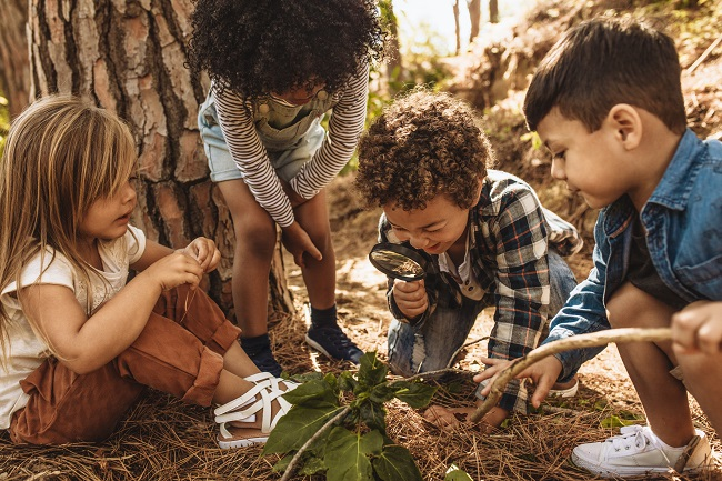 Jeu extérieur : une nouvelle ressource pour jouer et apprendre en plein air