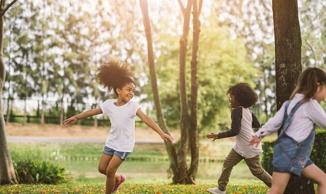 brochures-favoriser-le-developpement-moteur-des-enfants